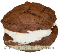 Chocolate Cream Whoopie Pies